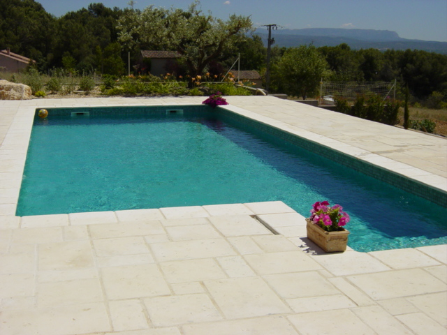 Carrelage exterieur piscine for Piscine en carrelage